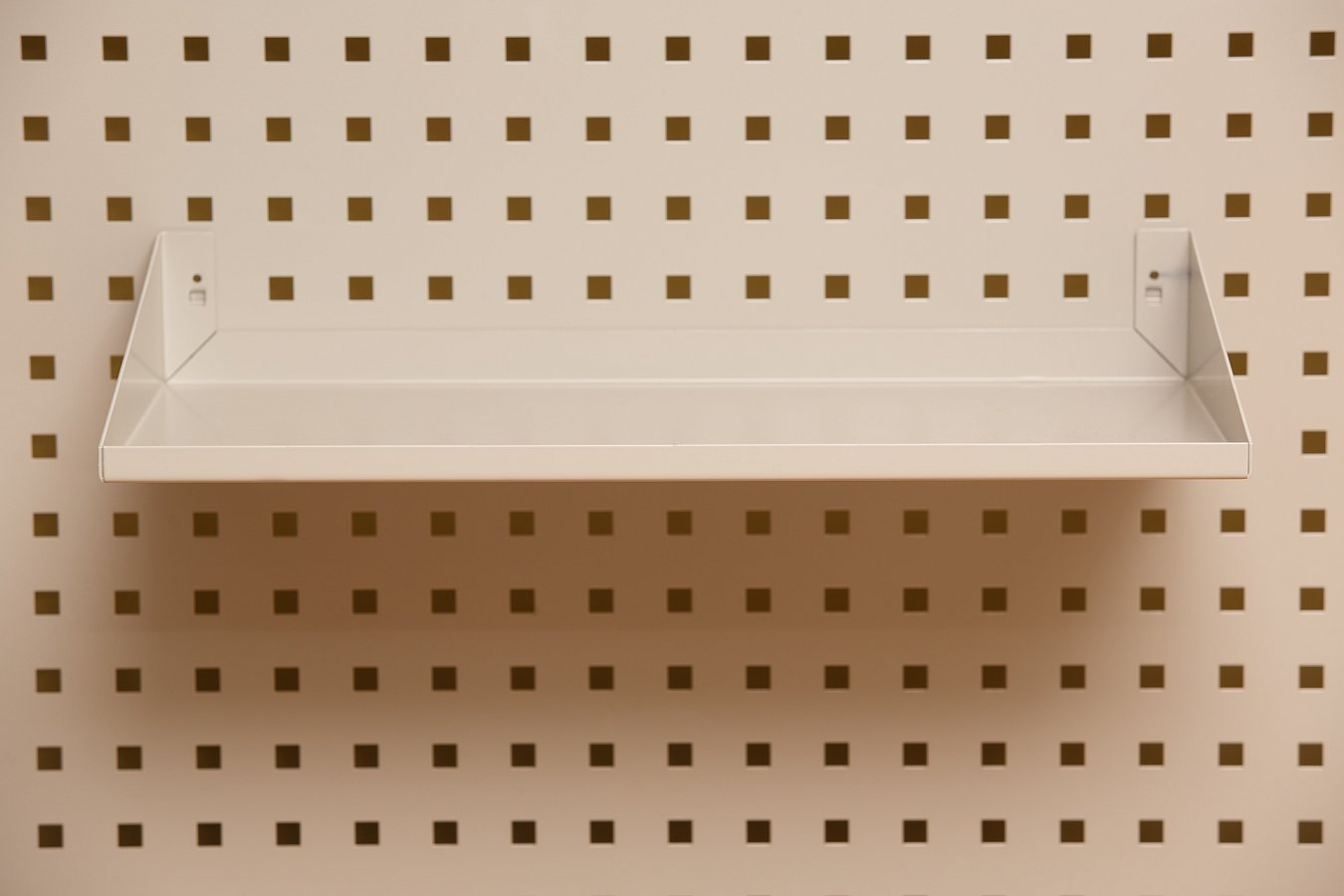 A4 Perforated panel shelf (2)